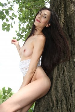 EroticBeauty - Lady Cate - On The Tree - 30 Nov, 2019, pic 34