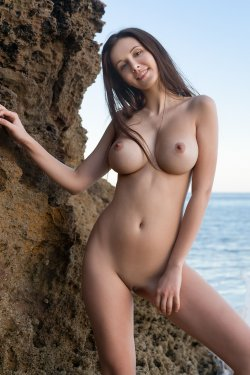 FemJoy - Alisa I - A Secret Cove - 23 Nov, 2019, pic 2