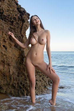 FemJoy - Alisa I - A Secret Cove - 23 Nov, 2019, pic 3