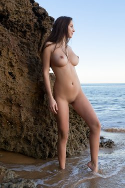 FemJoy - Alisa I - A Secret Cove - 23 Nov, 2019, pic 4