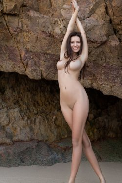 FemJoy - Alisa I - A Secret Cove - 23 Nov, 2019, pic 21