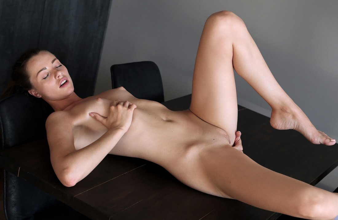 Nubiles - Serenity Swoon - Feel Me - 02 Oct, 2019, pic 25