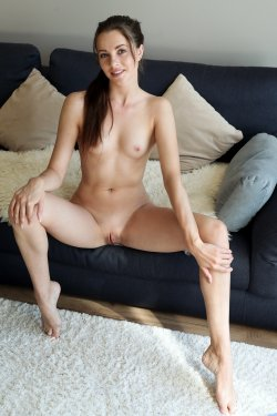Nubiles - Serenity Swoon - Pussy Play - 03 Oct, 2019, pic 8