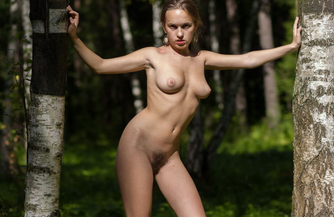 Stunning18 - Kelly P - Lost in the grass - 08 Nov, 2019, pic 15