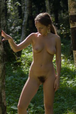 Stunning18 - Kelly P - Lost in the grass - 08 Nov, 2019, pic 17