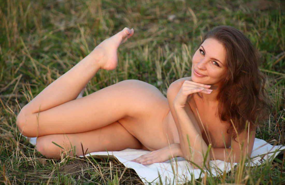 EroticBeauty - Galina A - In The Feild - 03 Nov, 2019, pic 19