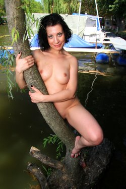 EroticBeauty - Teresse Bizzarre - By The River - 28 Sep, 2019, pic 25