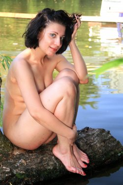 EroticBeauty - Teresse Bizzarre - By The River - 28 Sep, 2019, pic 33