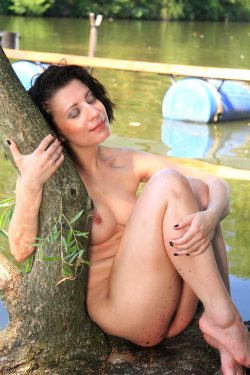 EroticBeauty - Teresse Bizzarre - By The River - 28 Sep, 2019, pic 35