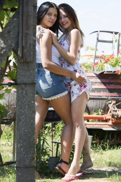 VivThomas - Alya Stark, Kira Queen - Summer Lovers - 28 Oct, 2019, pic 1